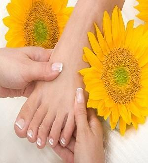 How to Cure Toenail Fungus with Tea Tree Oil
